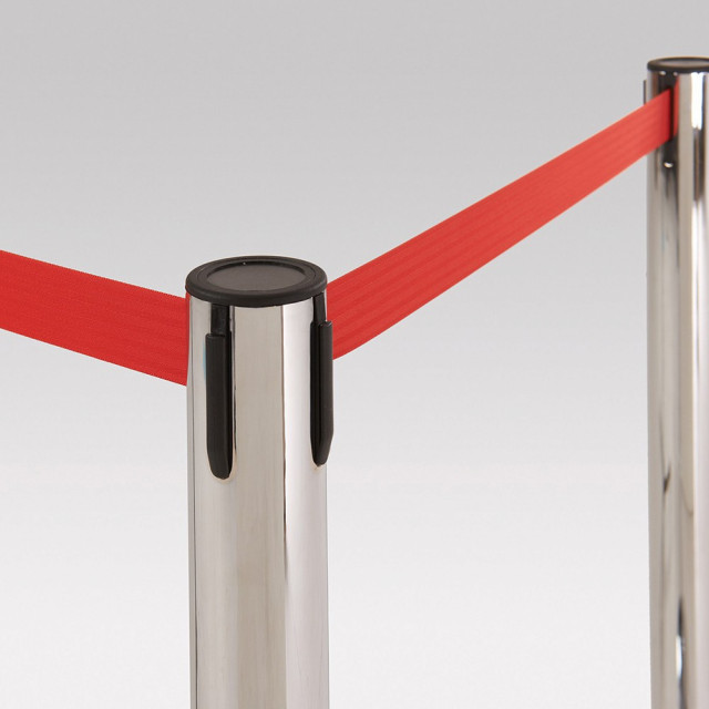 Retractable barrier system